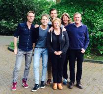Met het bestuur van Stichting LGBT Groningen én COC Groiningen & Drenthe op de foto na een inspirerende heidag! Zomer 2014
